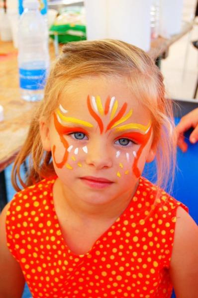 Maquillage orange et jaune